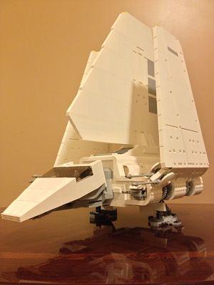 Lanzadera imperial 10212 aterrizaje