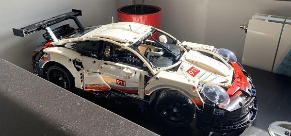LEGO 42096 Porsche 911 RSR completo