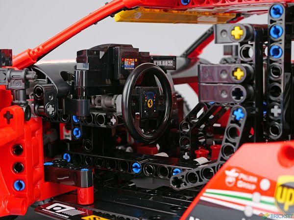 LEGO Ferrari visto por dentro