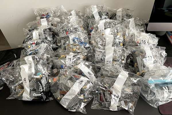 Las 66 bolsas del LEGO 75192