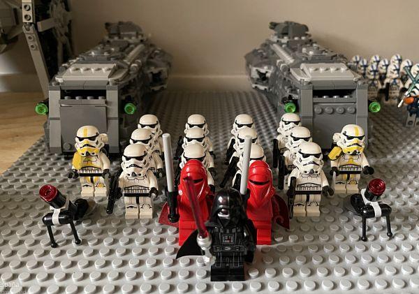 Dos transportes imperiales de LEGO Star Wars 75311